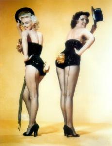 marilyn monroe & jane russell 1953 - gentlemen prefer blondes - by frank powolny